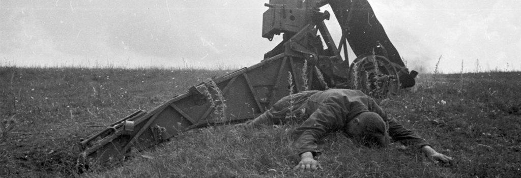 Сочинение ЕГЭ – Проблема бесчеловечности войны по тексту В. Астафьева
